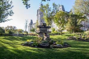 Inuksuk in einem Park der kanadischen Stadt Québec