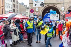 Irrweg-RWE und Umsiedlung von Berverath: Umwelt und Klima sind Thema beim Rosenmontagsumzug in Köln