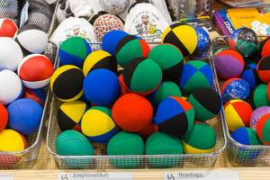 Jonglierbälle aus Stoff in verschiedenen Farben
