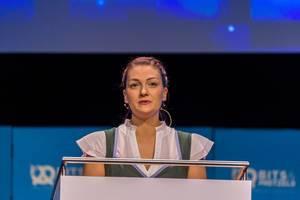 Judith Gerlach von der CSU spricht bei der Gründermesse Bits & Pretzels über weibliche Vorbilder in der Technologiebranche