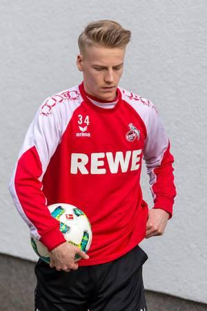 Junger 1. FC Köln Spieler beim Training am 30.01.2018