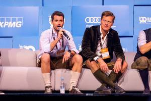 Jury members Michael Treskow (Eight Road Ventures) and Christian Saller (Holtzbrinck Ventures) during the startup pitch finals at #bits19