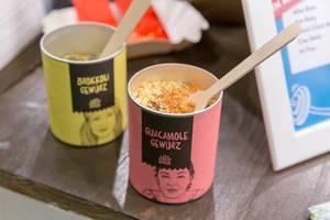 Just Spices Guacamole und Brokkoli Gewürz-Mischungen in kreativen Verpackungen auf der Fibo in Köln