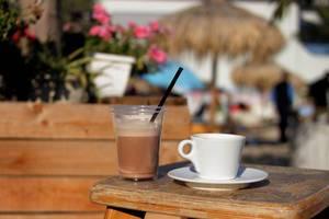 Kaffee und Kakao im Sommer