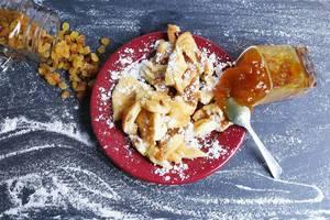 Kaiserschmarrn, Austrian dessert recipe with jam and raisins (Flip 2019)