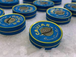 Kaviar in Dosen am Danilovsky Market in Moskau