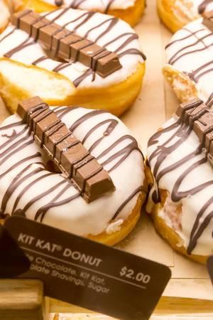 Kit Kat Donut
