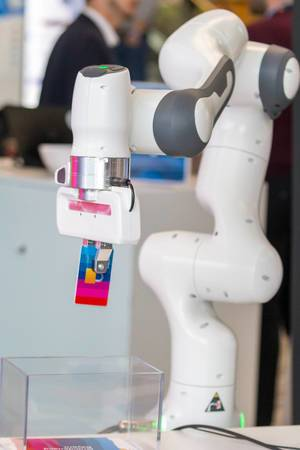 Kit-Robot startup: robotic arm by a German institution for technology in Karlsruhe