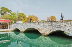 Kleine Brücke in Trau, Kroatien