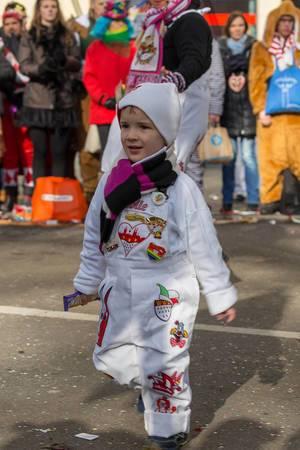 Kleiner Junge beim Rosenmontagszug - Kölner Karneval 2018