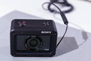 Kleinste digitale Fotokamera der Welt: Die Sony RX0 an der Photokina in Köln