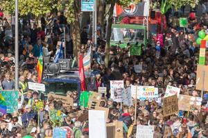Klimaprotest: Fridays for Future Protestbewegung streikt für die Rettung des Planeten
