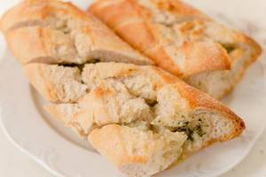 Knoblauch-Brot / Baguette with garlic butter