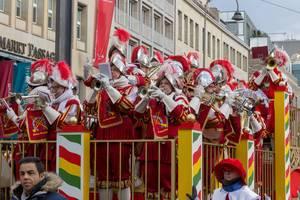 Kölner Ratsbläser beim Rosenmontagszug - Kölner Karneval 2018