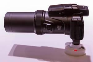 Kompaktkamera Nikon Coolpix P1000 mit grossem Objektiv
