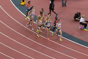 Konstanze Klosterhalfen, Jennifer Simpson und weitere 1500-Meter-Läuferinnen bei den IAAF Leichtathletik-Weltmeisterschaften 2017 in London