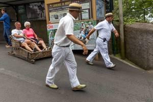 Korbschlittenfahrt auf Madeira