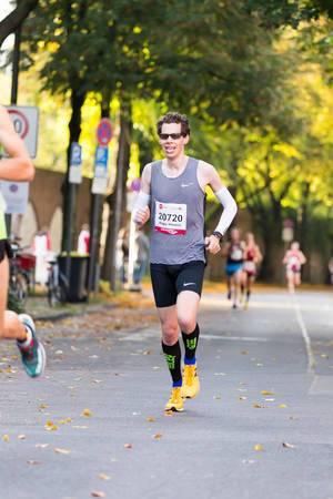 Küng Roger Thomas - Köln Marathon 2017