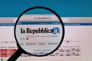 La Repubblica logo under magnifying glass