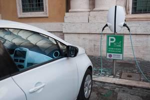Ladestation für Elektrofahrzeug in Rom, Italien