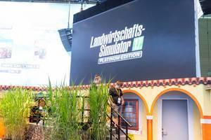 Landwirtschafts-Simulator 17 Platinum Edition Plakat - Gamescom 2017, Köln