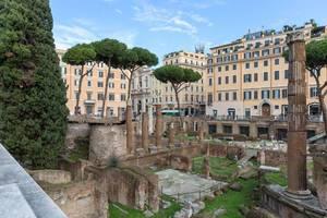 Largo di Torre Argentina Ruinen in mitten der Altstadt Roms
