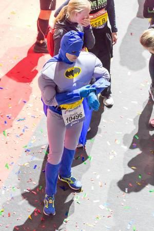 Läufer im Batman-Kostüm - Frankfurt Marathon 2017
