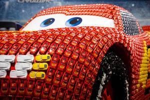 Lebensgroßer Lightning McQueen auf der IAA zu Cars 3: Evolution bei der IAA 2017
