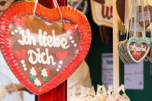 """Lebkuchenherz mit der Aufschrift """"Ich liebe dich"""" – Oktoberfest 2017"""