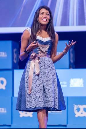 Leila Janah - SamaSource bei Rede auf dem Bits & Pretzels Festival in München