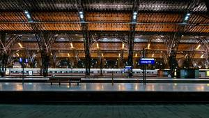 Leipzig main train station at night / Leipzig Hbf bei Nach