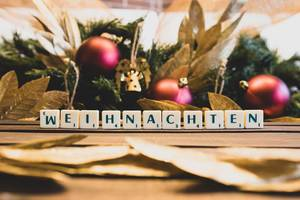 Letters reading WEIHNACHTEN (Christmas)