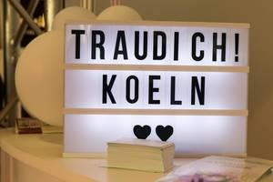 Lightbox mit dem Text TrauDich! Köln