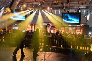 Lightshow am Messestand von Activision Blizzard - Gamescom 2017, Köln