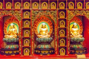 Little Budda Figures in Buddha Tooth Relic Temple