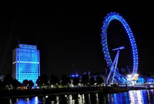 London Eye bei Nacht