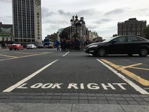 Look Right - Linksverkehr