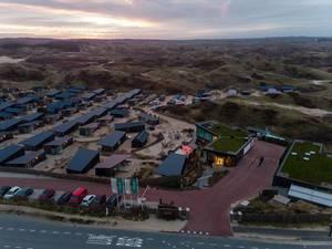 Luftaufnahme Ferienpark Qurios in Bloemendaal mit naturbelassener Umgebung und Sonnenuntergang