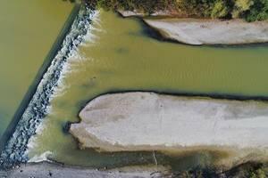 Luftaufnahme vom Fluss Arges im Kreis Giurgiu, Rumänien
