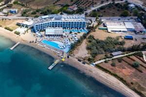 """Luftbild des 5-Sterne Hotels """"Nikki Beach Resort & Spa"""" am Kheli Hafen, im Sommerferienort Porto Heli, Griechenland"""