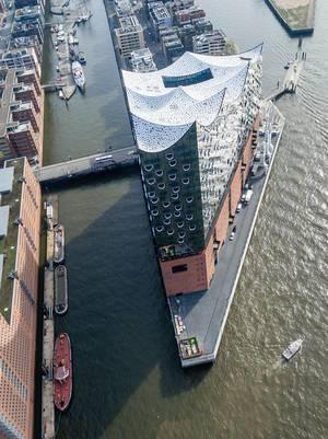 Luftbild: Elbphilharmonie und Sandtorhafen