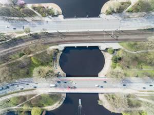 Luftbild: Kennedybrücke in Hamburg zwischen Binnen- und Außenalster