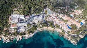 Luftbild von Hotel Coronado Thalasso & SPA und Hotel Cala Fornells in Peguera, Mallorca