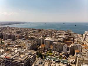 Luftbild von Thessaloniki mit Blick Richtung Meer