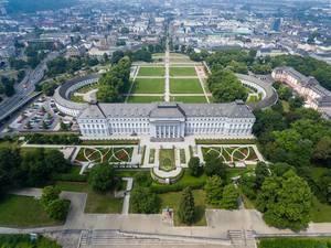 Luftbild zeigt kurfürstliches Schloss aus dem 18. Jahrhundert in Koblenz