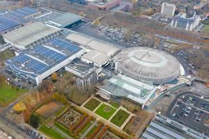 Luftbild zeigt Parkplatz A5 und MAYDAY-Veranstaltungsort in den Westfalenhallen, Deutschland