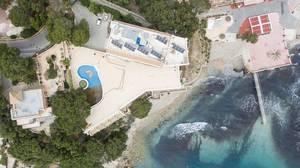 Luftbildaufnahme des Mar Y Pins Hotels in Peguera, Mallorca