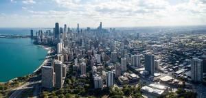Luftbildaufnahme von Hochhäusern in Chicagos Bezirken Gold Coast und Magnificent Mile