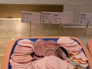 Lunchmeat cuts at a buffet