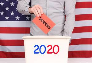 Man voting for Sanders at Presidental Election 2020.jpg